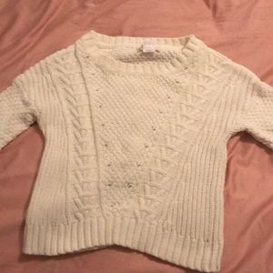 White crop top sweater